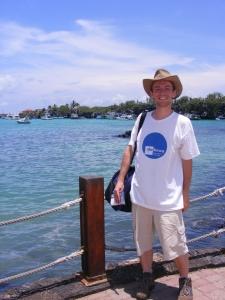 Dokeos t-shirt in Puerto Ayora, Galapagos
